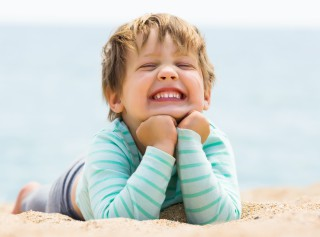10 Consejos para proteger la piel del bebé de los rayos solares